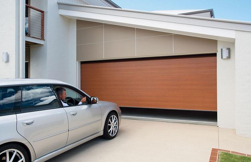 Garage Door Repair Services in Long Beach