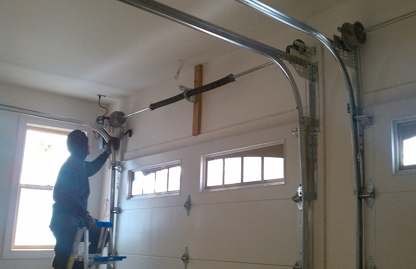 Garage Door Repair Services in Westlake Village